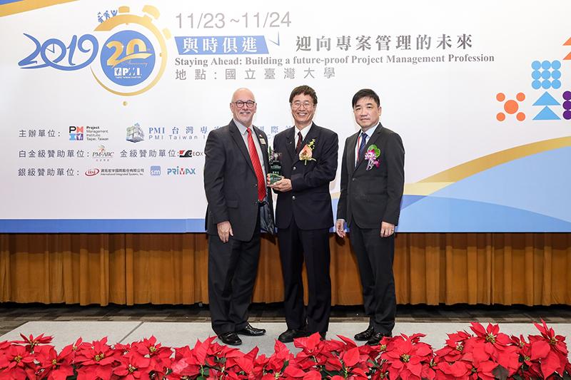 跨領域勇奪十專獎,嘉藥坐擁全國最多PMP